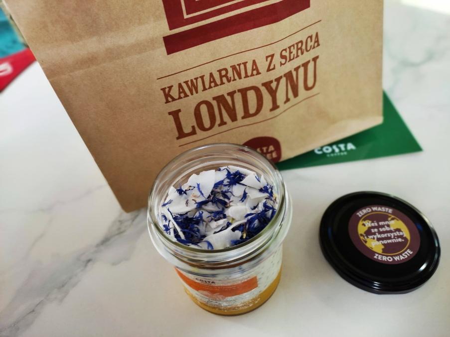 Costa Coffee - jogurt z chabrami