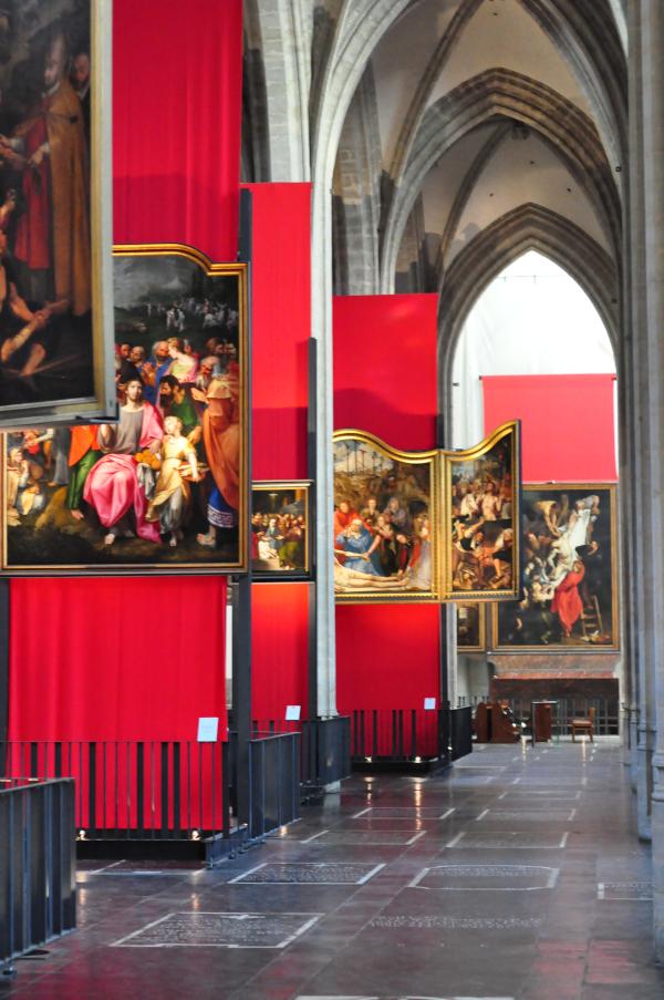 Katedra w Antwerpii - wystawa  Powrót