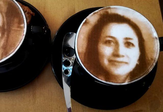 O-CORTADO w Antwerpii - kawa z selfie