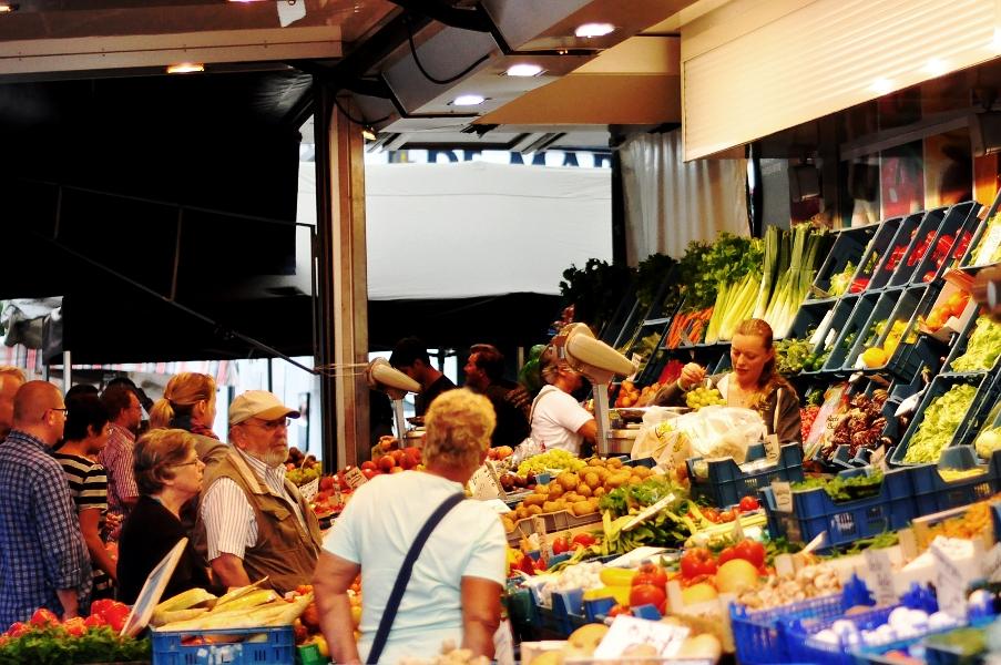 Stoisk warzywne - Theaterplein w Antwerpii